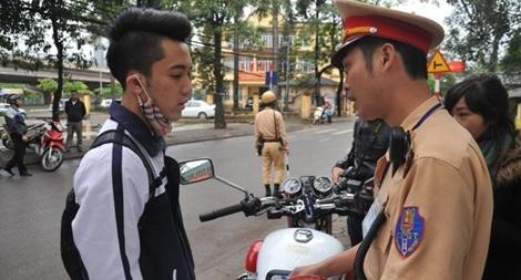 Tặng 35 nghìn phiếu mua mũ bảo hiểm cho học sinh tại 10 tỉnh, thành phố