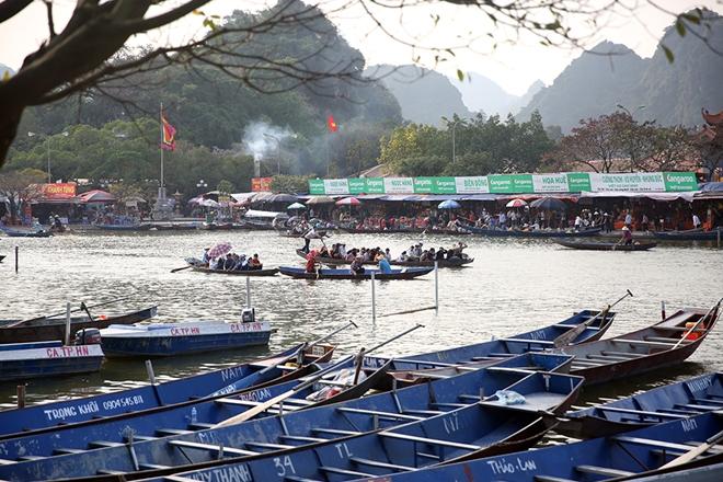 Gần 200 CBCS Công an đảm bảo an ninh, trật tự mùa lễ hội Chùa Hương 2019