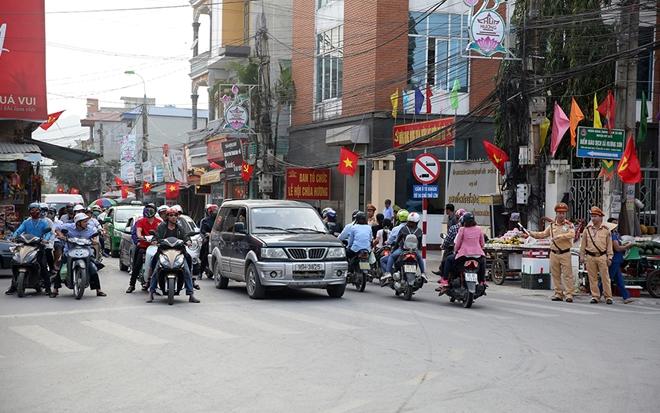 Gần 200 CBCS Công an đảm bảo an ninh, trật tự mùa lễ hội Chùa Hương 2019 - Ảnh minh hoạ 2