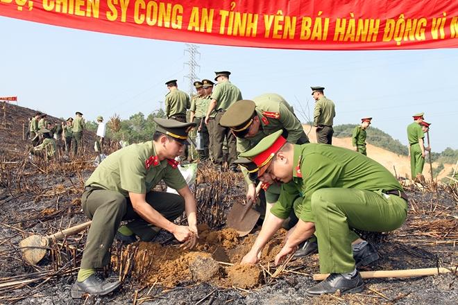 Công an tỉnh Yên Bái tổ chức tết trồng cây ơn Bác - Ảnh minh hoạ 2