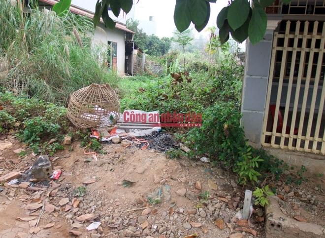 Chiếc lồng gà của nạn nhân thu được tại phường Thanh Trường, TP Điện Biên Phủ