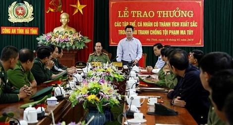 Khen thưởng các đơn vị khám phá hai đường dây ma túy lớn tại Hà Tĩnh