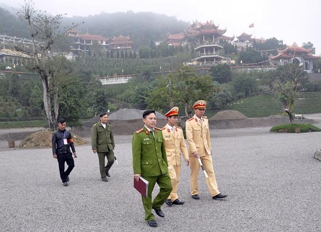 """Thượng úy Đoàn Văn Uẩn - người chiến sĩ """"đa năng"""""""