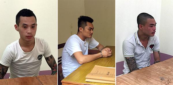 Các đối tượng Hoàng Văn Toàn, Nguyễn Văn Việt, Dương Văn Chung tại Cơ quan Cảnh sát điều tra Công an TP Cao Bằng.