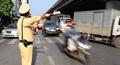 CSGT Hà Nội điều tiết giao thông trong tiết trời 'đổ lửa'
