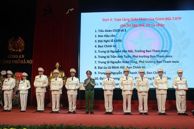 Cảnh sát cơ động CATP Hà Nội đón nhận Huân chương Bảo vệ Tổ quốc hạng Ba - Ảnh minh hoạ 3