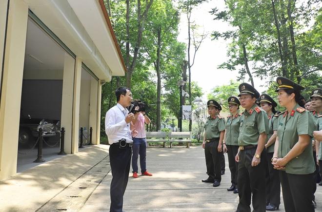 Cục Truyền thông CAND báo công dâng Bác tại Khu di tích K9 - Ảnh minh hoạ 4