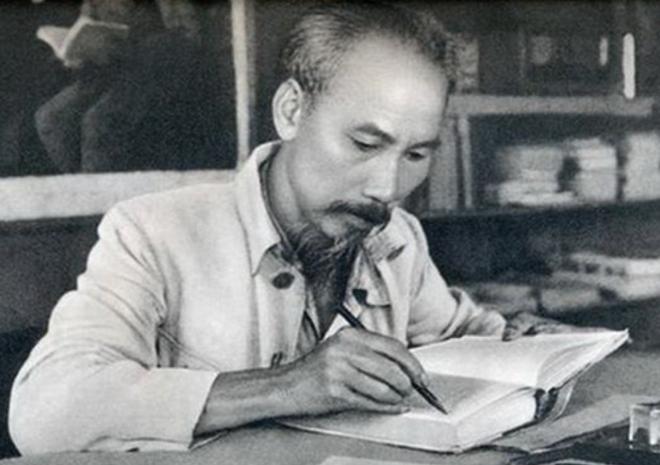 Học tập tư tưởng, phong cách lãnh đạo vì nước, vì dân của Chủ tịch Hồ Chí Minh