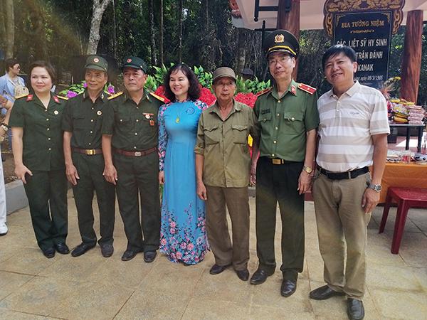 Khánh thành nhà bia tưởng niệm liệt sỹ hy sinh trong trận đồn Kanak - Ảnh minh hoạ 3
