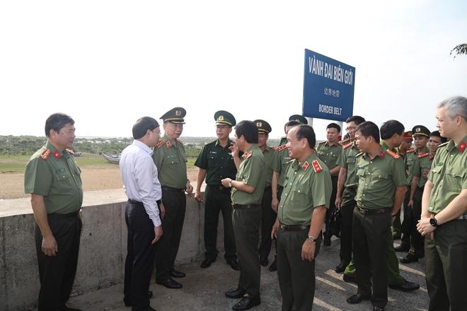 Bộ trưởng Tô Lâm làm việc với Công an TP Móng Cái