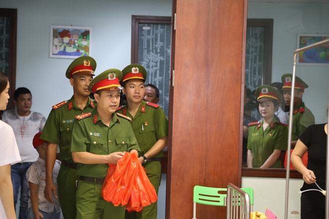 Đoàn viên Công đoàn Học viện CSND mang Tết Trung thu đến với các bệnh nhi - Ảnh minh hoạ 2