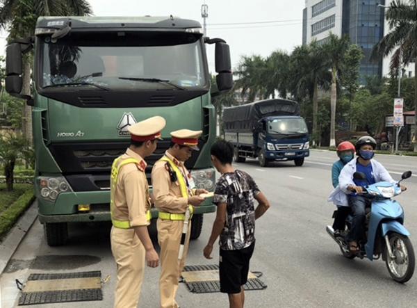 """Chặn đứng """"ma men"""", xe quá tải trên các cung đường giao thông - Ảnh minh hoạ 3"""