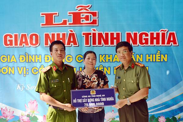 Bàn giao nhà tình nghĩa và khánh thành khu bán trú cho học sinh tại Kỳ Sơn
