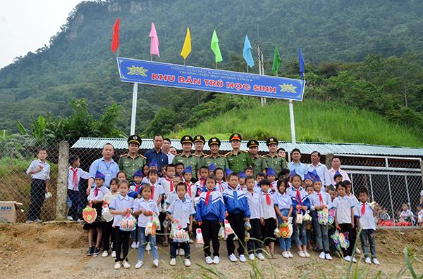 Bàn giao nhà tình nghĩa và khánh thành khu bán trú cho học sinh tại Kỳ Sơn - Ảnh minh hoạ 3