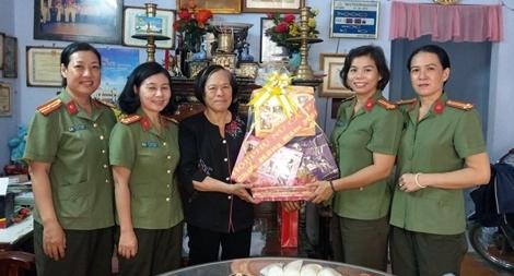 Phụ nữ Công an TP Hồ Chí Minh với nhiều hoạt động từ thiện ý nghĩa