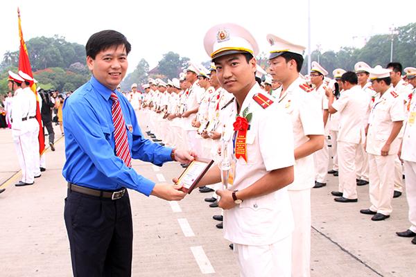 Người cán bộ Công an trẻ được tặng nhiều danh hiệu và giải thưởng