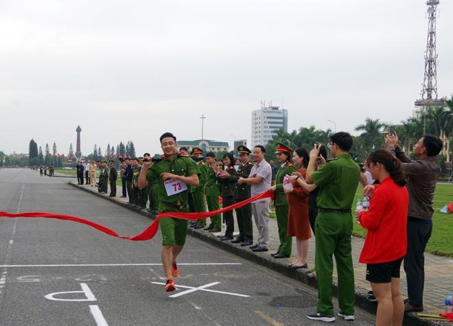 Công an tỉnh Hưng Yên tổ chức Giải chạy vũ trang – việt dã năm 2019 - Ảnh minh hoạ 4