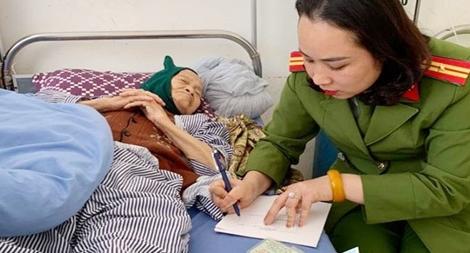 Công an Sơn La đến tận giường bệnh làm CMND cho bệnh nhân
