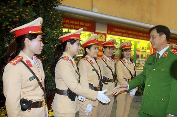 Thứ trưởng Nguyễn Duy Ngọc kiểm tra công tác ứng trực của CSGT Thủ đô - Ảnh minh hoạ 4