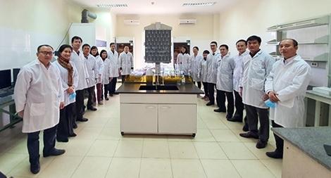 Pha chế dung dịch rửa tay chống virus Corona trong CAND