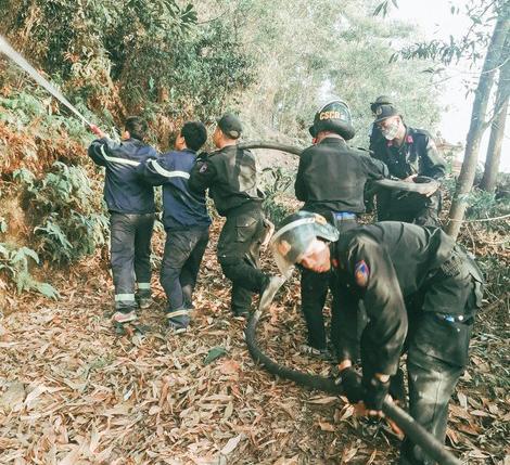 Những ngày qua, Công an tỉnh Hà Tĩnh đã huy động tối đa các lực lượng tham gia chữa cháy rừng.