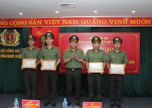 Công nghiệp an ninh phục vụ hiệu quả công tác, chiến đấu của lực lượng CAND - Ảnh minh hoạ 3