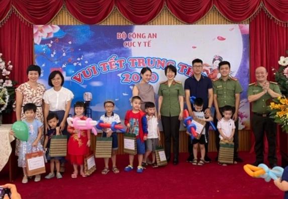 Cục Y tế Bộ Công an tổ chức Trung thu cho con em CBCS đơn vị - Ảnh minh hoạ 4