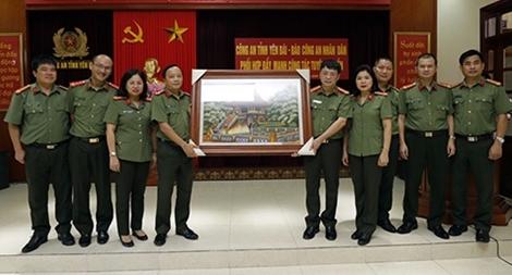 Phối hợp đẩy mạnh công tác tuyên truyền giữa Báo CAND và Công an tỉnh Yên Bái