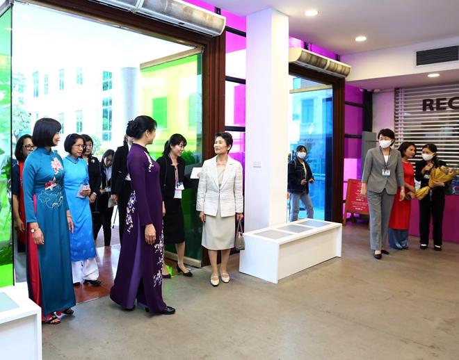 (29-33)- Phu nhân Thủ tướng Nhật Bản khâm phục phụ nữ Việt Nam