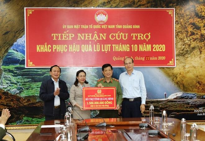 Bộ Công an hỗ trợ 3 tỷ đồng cho CBCS và nhân dân vùng lũ Quảng Bình - Ảnh minh hoạ 5