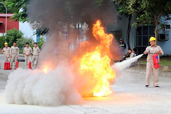 Diễn tập phương án chữa cháy, cứu nạn, cứu hộ tại Nhà máy thủy điện Lai Châu - Ảnh minh hoạ 4