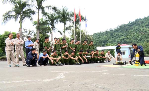 Diễn tập phương án chữa cháy, cứu nạn, cứu hộ tại Nhà máy thủy điện Lai Châu - Ảnh minh hoạ 3