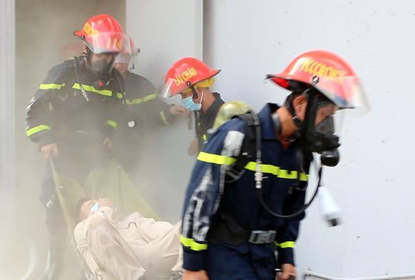 Diễn tập phương án chữa cháy, cứu nạn, cứu hộ tại Nhà máy thủy điện Lai Châu - Ảnh minh hoạ 6