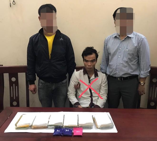 Chặn đường đi của 6 bánh heroin từ Nghệ An ra phía Bắc