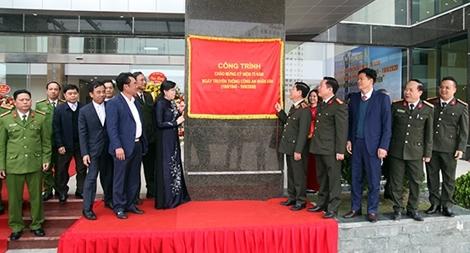 Công an tỉnh Thái Nguyên tổ chức Lễ gắn biển Công trình Trụ sở làm việc