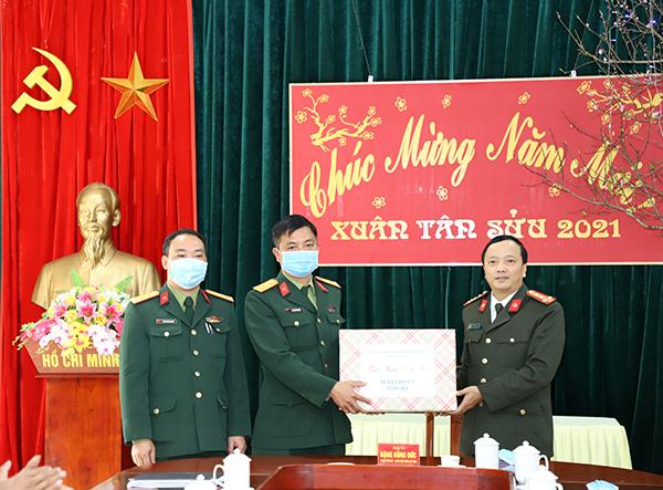 Công an tỉnh Yên Bái kiểm tra, chúc Tết tại huyện Trạm Tấu - Ảnh minh hoạ 2