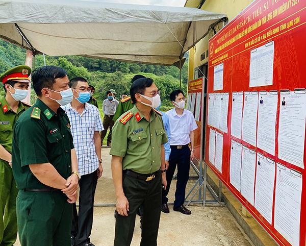 Giám đốc Công an tỉnh Lạng Sơn kiểm tra công tác chuẩn bị bầu cử