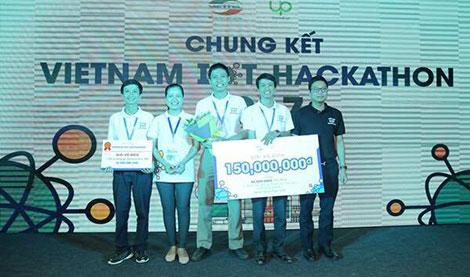 Lac Hong University wins Vietnam IoT Hackathon 2017 | Báo Công an