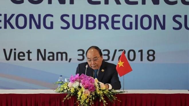 Thủ tướng Nguyễn Xuân Phúc chia sẻ về kết quả Hội nghị Thượng đỉnh GMS-6 với các phóng viên trong nước và quốc tế.
