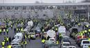Pháp lao đao vì bạo loạn: Người biểu tình chặn cao tốc, đốt trạm thu phí