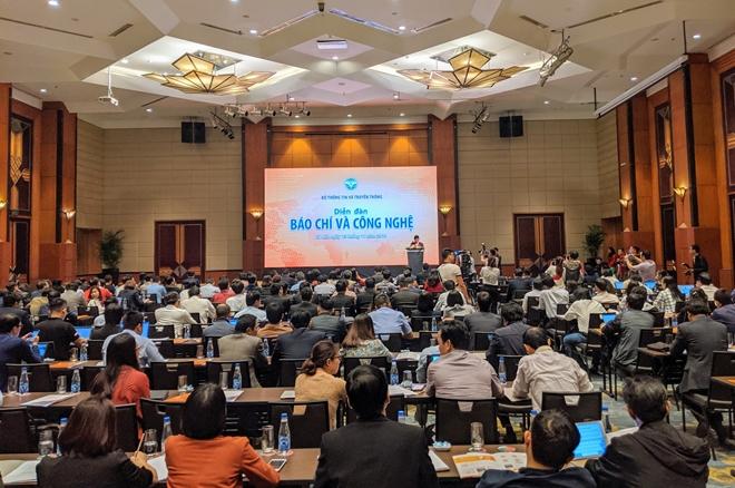 Hơn 200 đại biểu, diễn giả, chuyên gia tham dự diễn đàn.