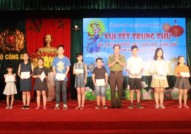 Tổng cục Chính trị CAND, Tổng cục HC-KT tổ chức vui Tết Trung thu