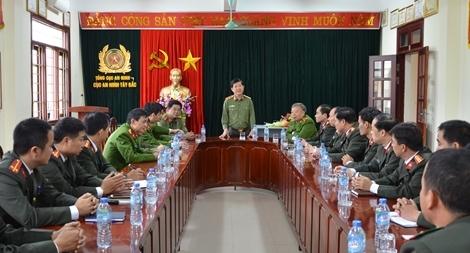 Thứ trưởng Nguyễn Văn Sơn thăm, kiểm tra công tác tại Công an tỉnh Điện Biên