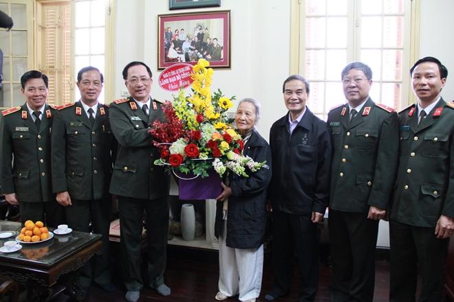 Thứ trưởng Nguyễn Văn Thành chúc mừng Nhà giáo  Phạm Tâm Long - Ảnh minh hoạ 2