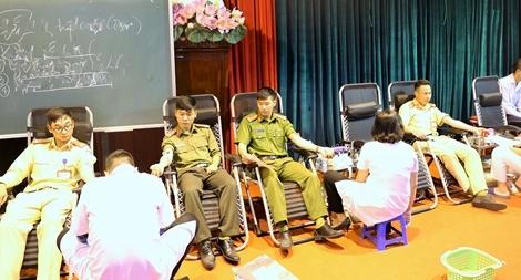 Hơn 350 đoàn viên Công an tỉnh Hải Dương hiến máu tình nguyện