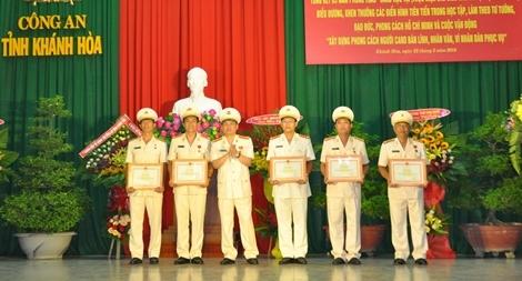 Công an tỉnh Khánh Hòa tôn vinh điển hình học tập, thực hiện  6 điều Bác Hồ dạy