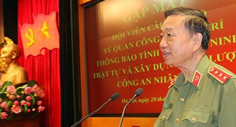 Bộ trưởng Tô Lâm gặp mặt hội viên CLB Sỹ quan Công an hưu trí