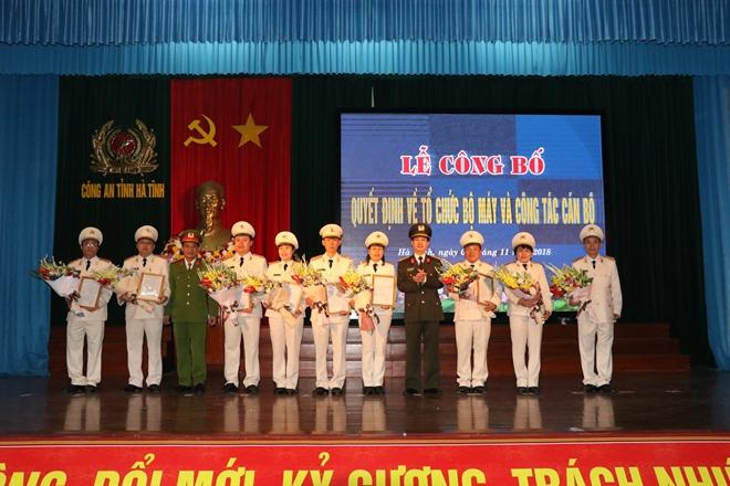 Công an tỉnh Hà Tĩnh công bố Quyết định về tổ chức bộ máy và công tác cán bộ - Ảnh minh hoạ 2