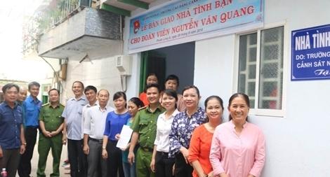Trường Cao đẳng CSND II trao tặng 5 nhà tình thương, đại đoàn kết
