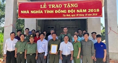 Đại học ANND trao tặng nhà đồng đội cho Công an viên khó khăn
